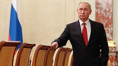 Putin, cambiar para perdurar