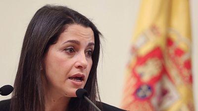 """El PP acusa a Arrimadas de """"romper su palabra"""" y """"pactar"""" con Iglesias en Murcia"""