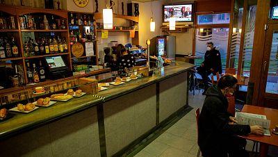 Sanidad recomienda cerrar el interior de bares y restaurantes a partir de una incidencia de 150 casos