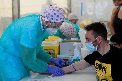 La segunda ola del estudio de seroprevalencia mantiene que solo un 5,2% de la población española se ha contagiado