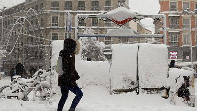 El temporal deja tres muertos, cinco provincias en alerta roja y colapsa Madrid con 60 centímetros de nieve