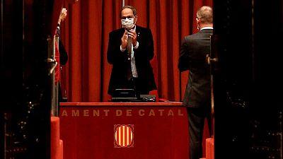 """Torra vuelve al Parlament tras su destitución para denunciar un """"golpe de Estado"""" contra Cataluña"""