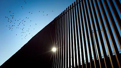 El Tribunal Supremo de EE.UU. permite a Trump usar fondos del Pentágono para el muro de México