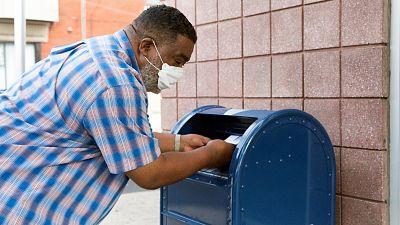 Trump agita la batalla entre demócratas y republicanos al bloquear la financiación para el voto por correo