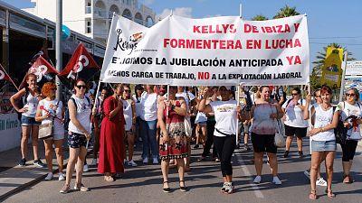 Unas 2.000 'kellys' secundan la primera huelga en Ibiza para exigir mejoras y poner fin a la sobrecarga de trabajo