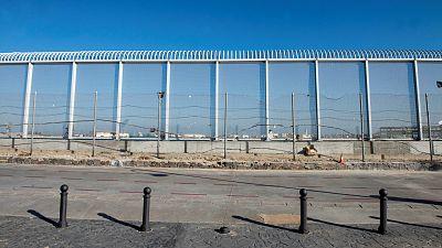 Cientos de migrantes tratan de entrar en Melilla y el Ejército se despliega para frenar la oleada
