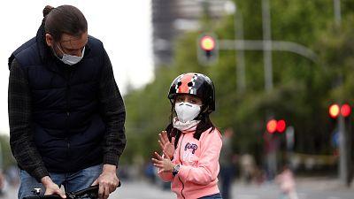 ¿Qué implicaría el uso obligatorio de mascarilla en niños y personas con ansiedad, problemas respiratorios o trastornos?