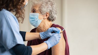 """La llegada de la vacuna de Janssen """"aceleraría el ritmo de vacunación"""""""