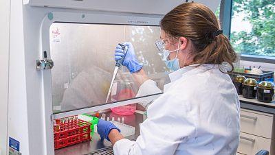 La vacuna de Oxford y AstraZeneca contra el coronavirus muestra una eficacia del 70,4%