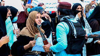La valentía de las mujeres afganas: alzar la voz en el Kabul talibán