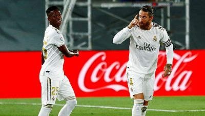 Vinícius y Ramos asientan al Madrid en el liderato
