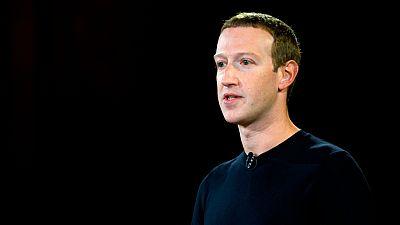 Zuckerberg defiende no censurar los mensajes polémicos de Trump en Facebook pese a las protestas de sus empleados
