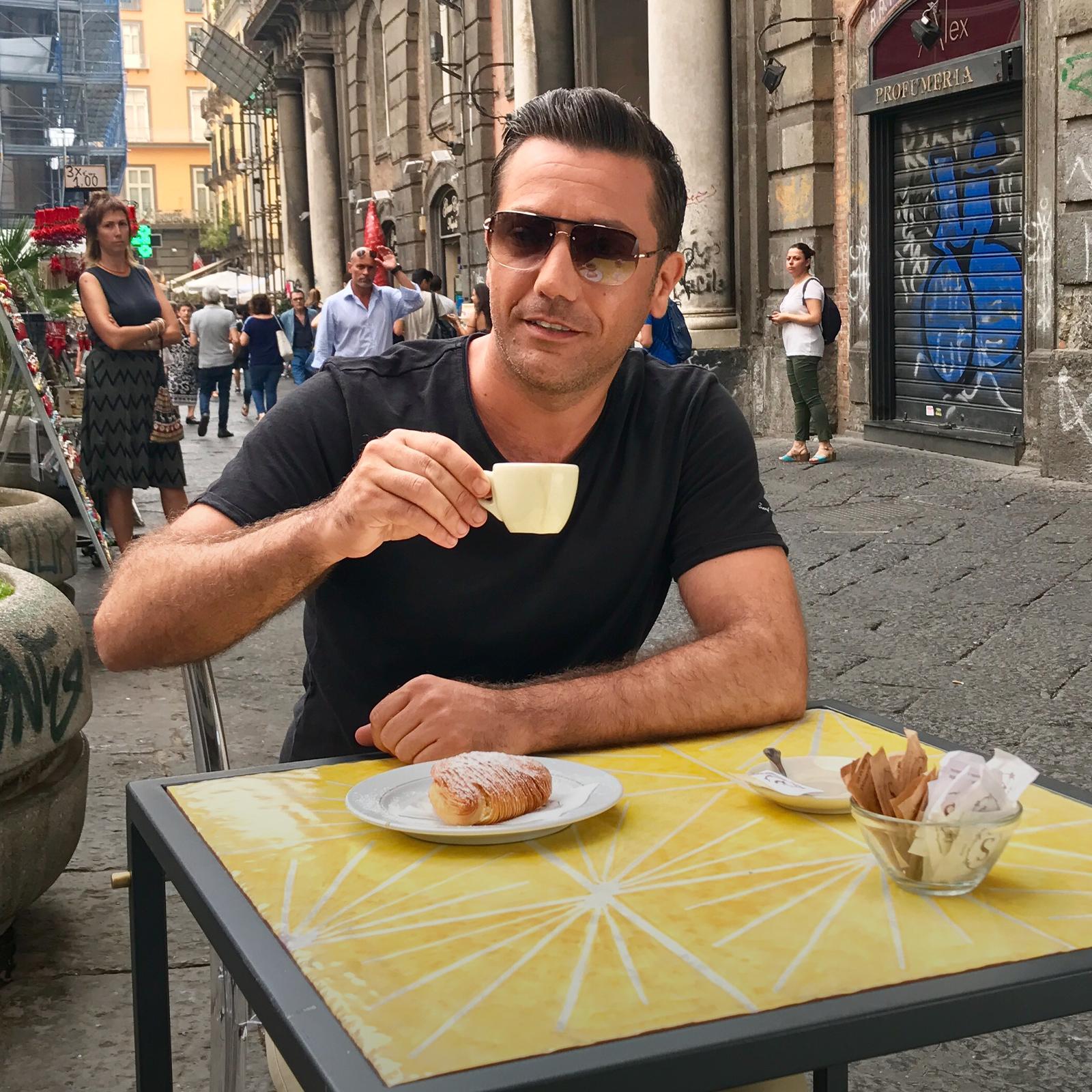 La escapada costera de Gino en Italia