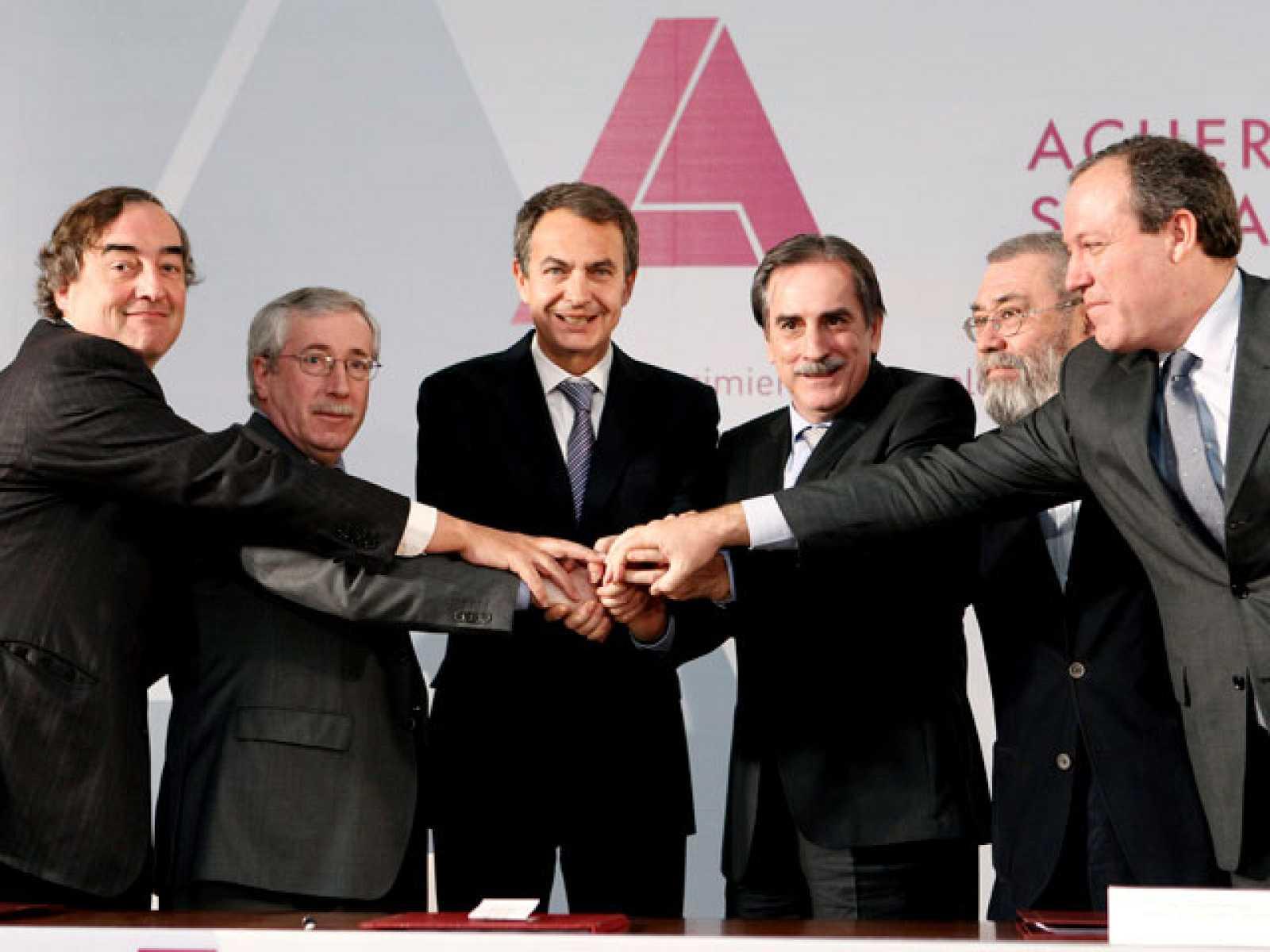 El Gobierno y los agente sociales han firmado en La Moncloa el pacto social y económico