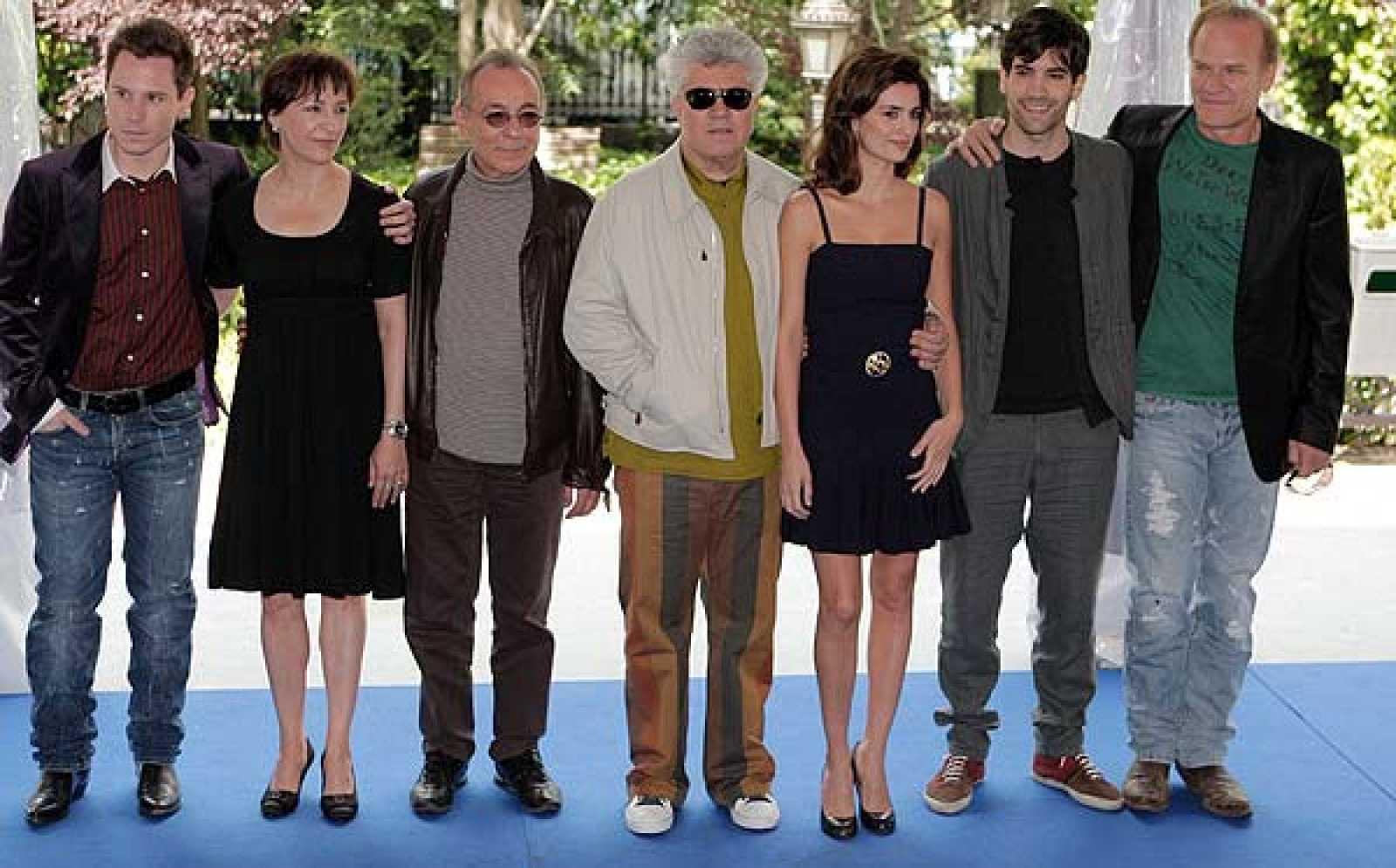 """El director manchego Pedro Almodóvar ha comenzado el rodaje de """"Los abrazos rotos"""" en Lanzarote (26/05/08)."""