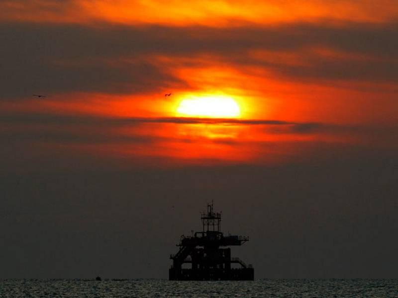 Francisco Pérez Galán explica las diferencias entre el barril de petróleo Brent, de referencia en Europa y el Texas, en EE.UU.