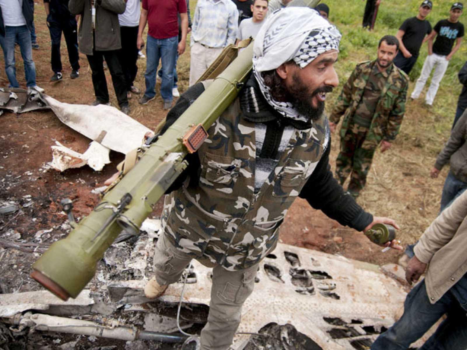 """Gadafi anuncia """"bombardeos sin piedad"""" contra Bengasi esta noche"""