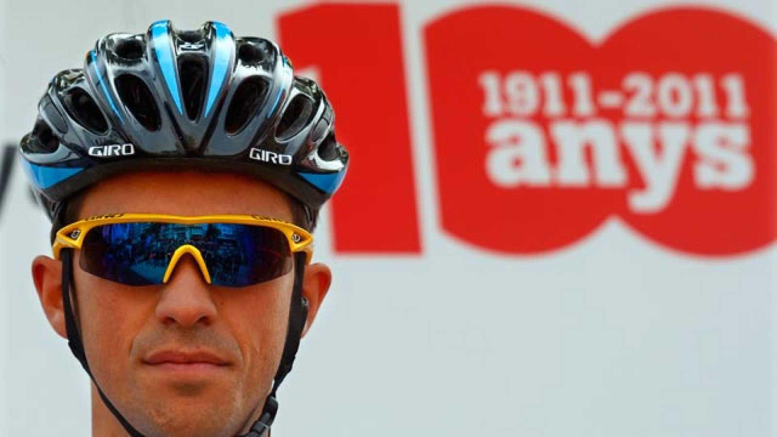Contador sigue a lo suyo y prepara su defensa