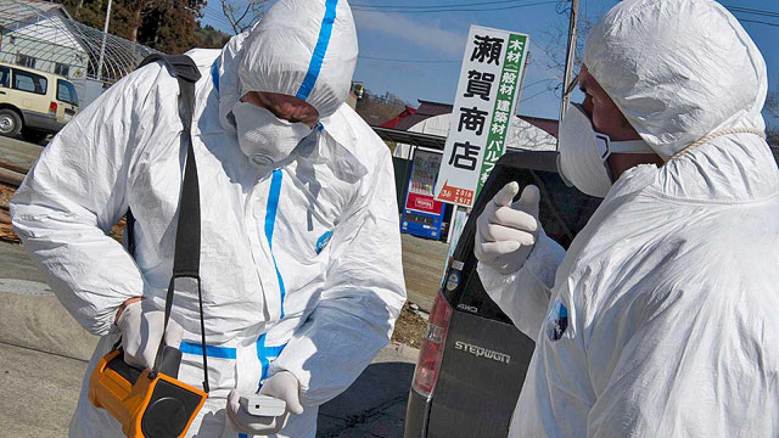 """Las duras condiciones de trabajo de los 400 """"héroes de Fukushima"""""""