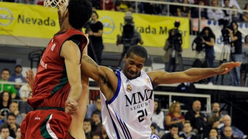 El Real Madrid se ha impuesto sin demasiado brillo en su visita al CB Granada (65-73) y se ha colocado a una victoria del liderato, en partido correspondiente a la vigésimo octava jornada de la liga ACB