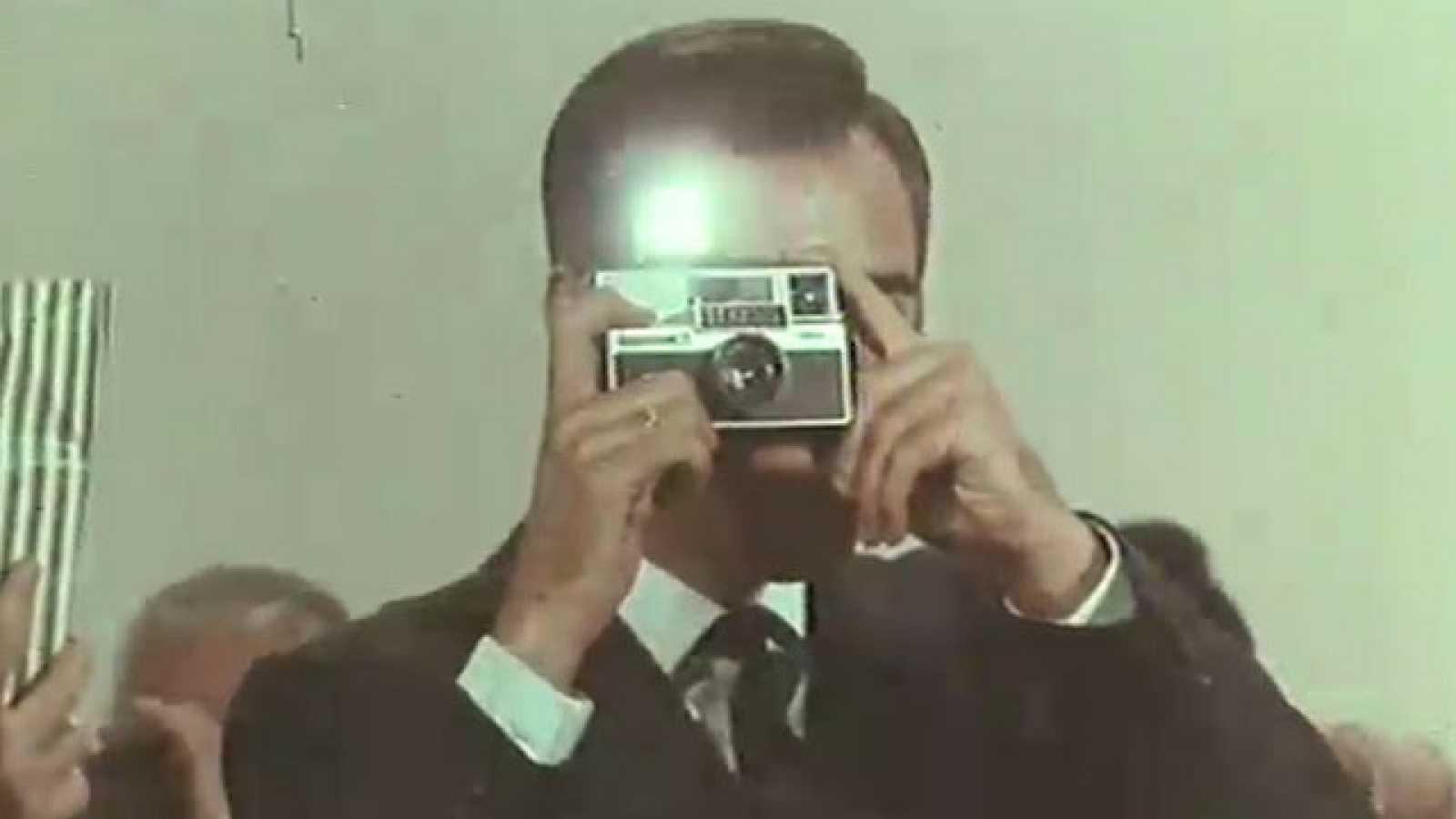 Los anuncios de tu vida - Los recuerdos del viaje en la cámara de fotos