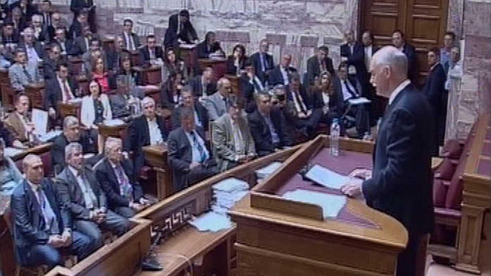 La UE estudia cómo ayudar a Grecia tras la insuficiencia del rescate de hace un año