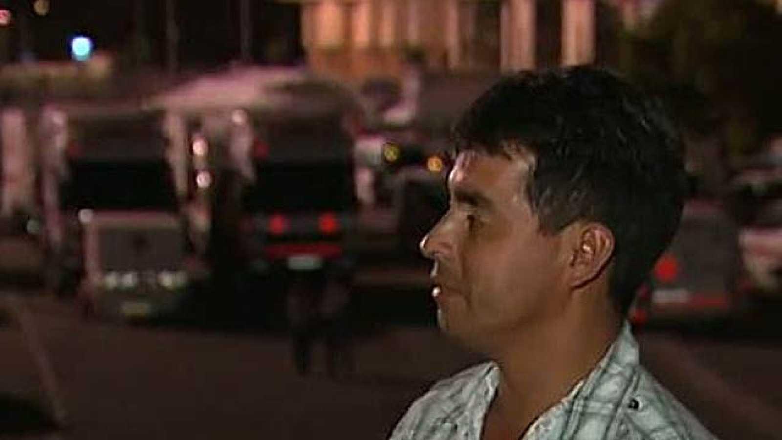Para Ramón Valle, que reside en Lorca, esta noche será la tercera que pase en la calle.