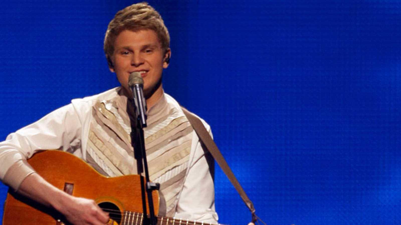 """El solista Paradise Oskar, representante de Finlandia, es quien abrió la espectacular gala de la final de Eurovisión con el tema """"Da da dam"""""""