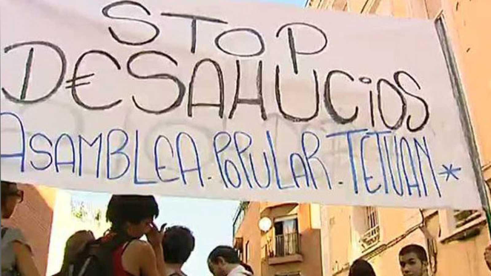 Los 'indignados' logran frenar un desahucio en Madrid