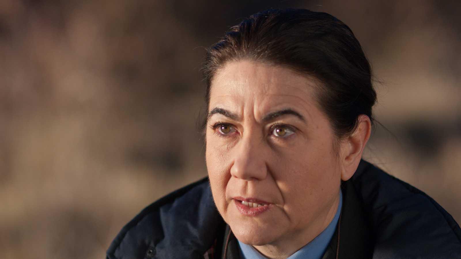 Gran Reserva - T2 - Capítulo 25 - Raúl despide a Mónica, ahora que vuelve a tener a Lucía entre sus brazos ya no la necesita para nada - Ver ahora
