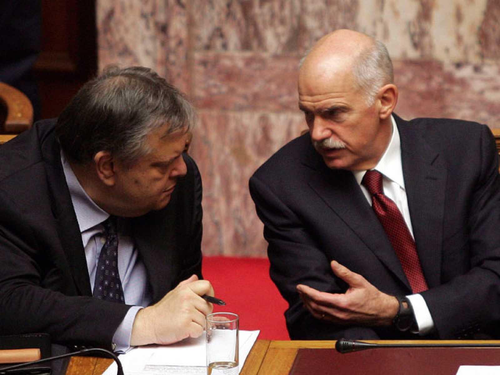 El Parlamento griego da luz verde a los recortes que permiten acceder al rescate