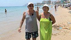 En Familia - En la Playa - Jubilados en el mar