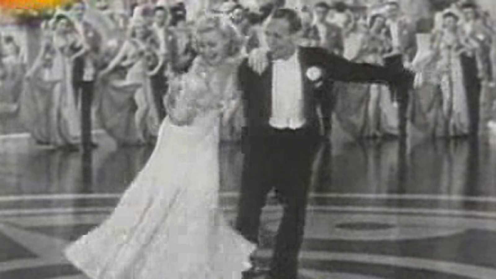 Los Actores Miticos De Hollywood Ginger Rogers Y Fred Astaire Bailando Rtve Es