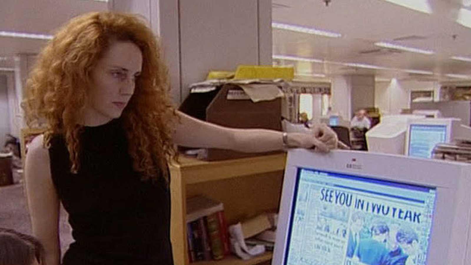 La policía británica detiene a Rebekah Brooks, mano derecha de Murdoch