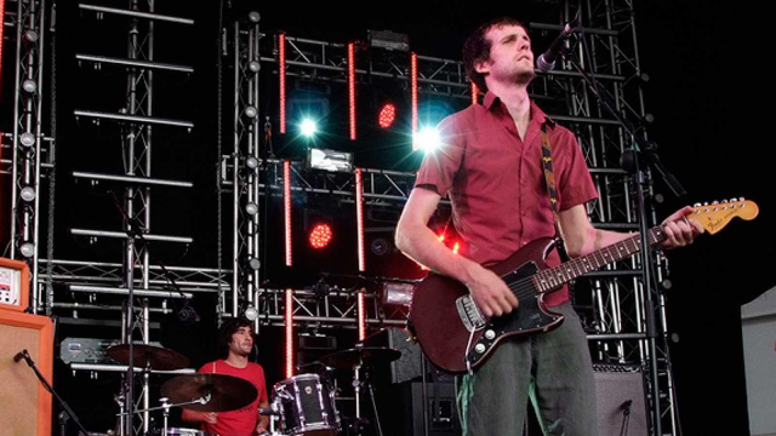 Los españoles Nudozurdo ofrecieron un intenso concierto en la tarde del viernes en esta edición del Festival Internacional de Benicàssim (15/07/11).