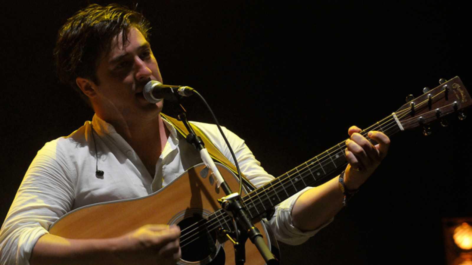 La banda británica desplegó su mejor folk de raíces celtas en el escenario Maravillas en la noche del sábado (16.07.11).