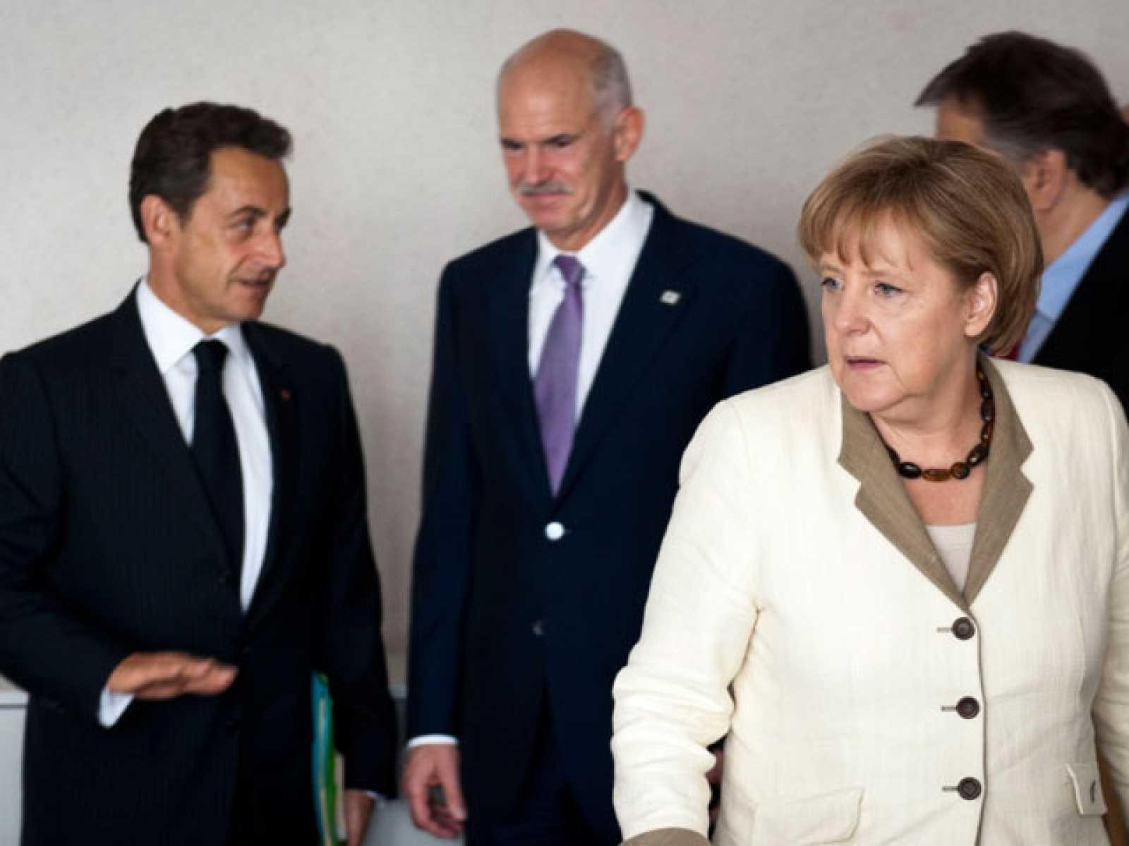 La Eurozona estudia suavizar los préstamos a Grecia dándole el doble de plazo y menos intereses
