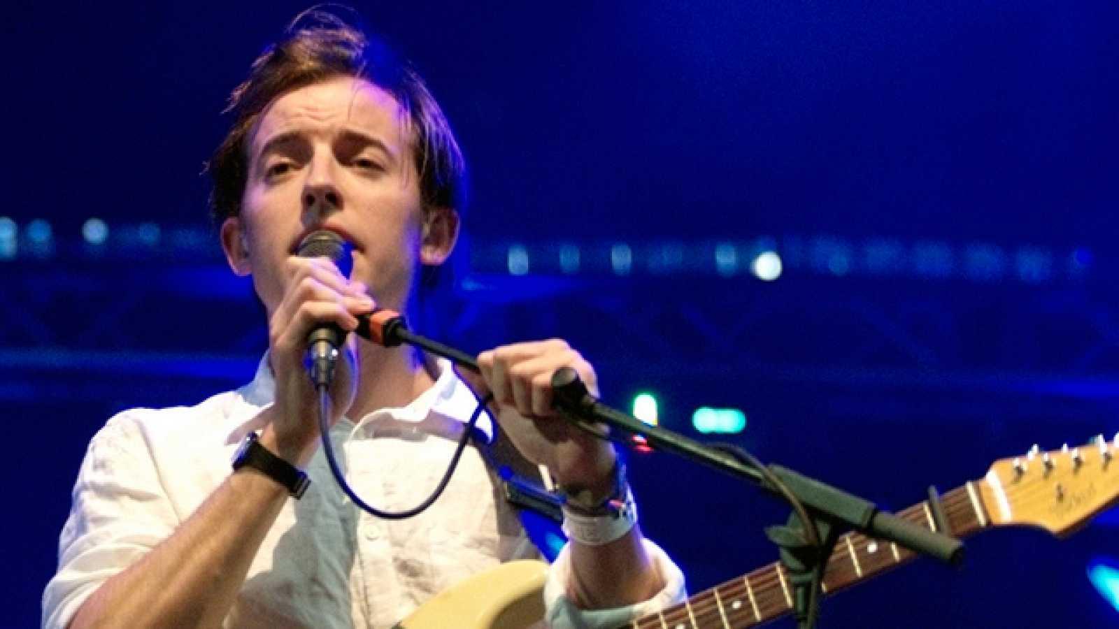 El grupo londinense hizo sonar su delicado pop el sábado en el escenario Fiberfib.com (16/07/11).