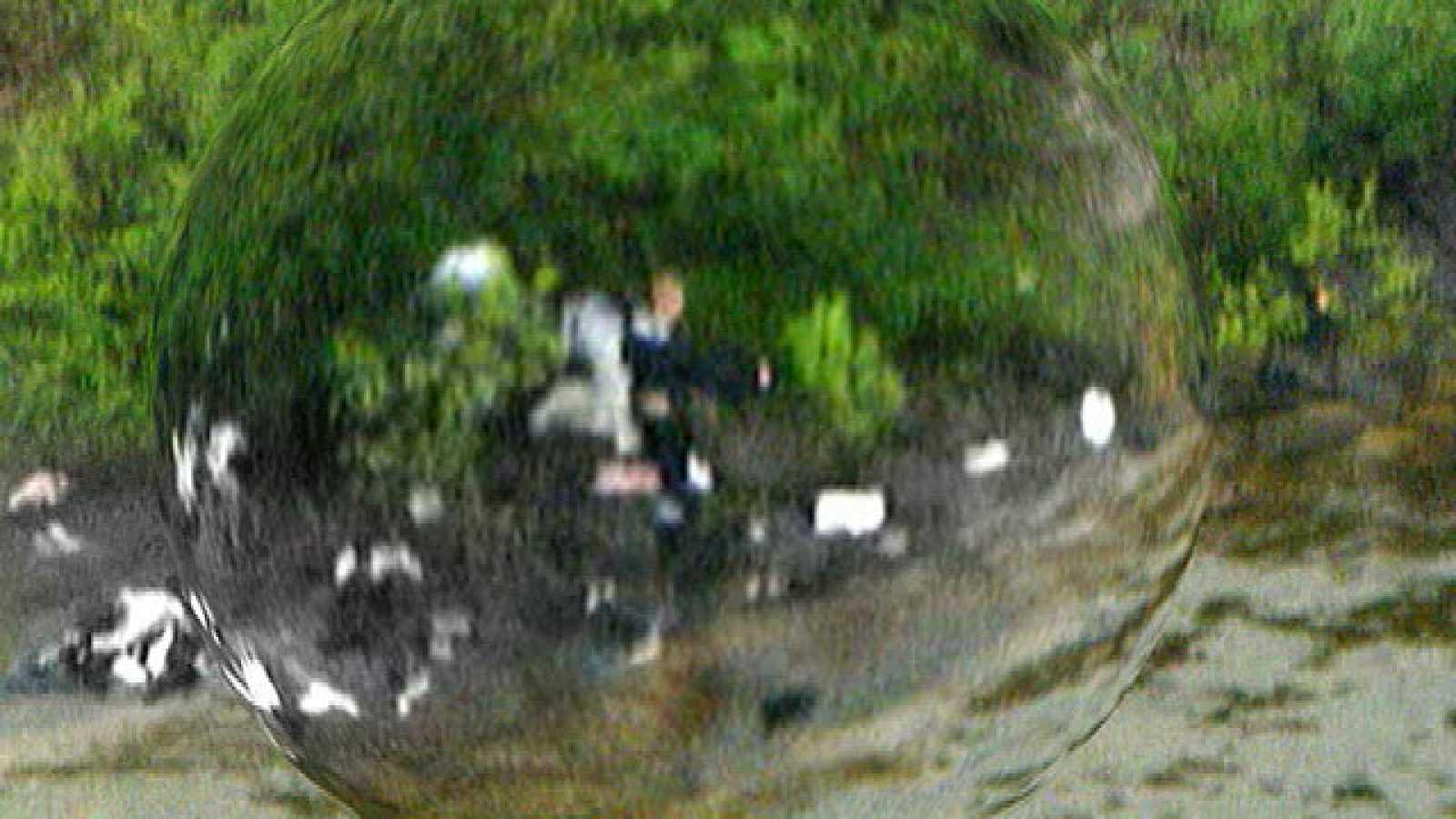 Uno de los helicópteros capta la imagen del asesino disparando en la isla de Utoya