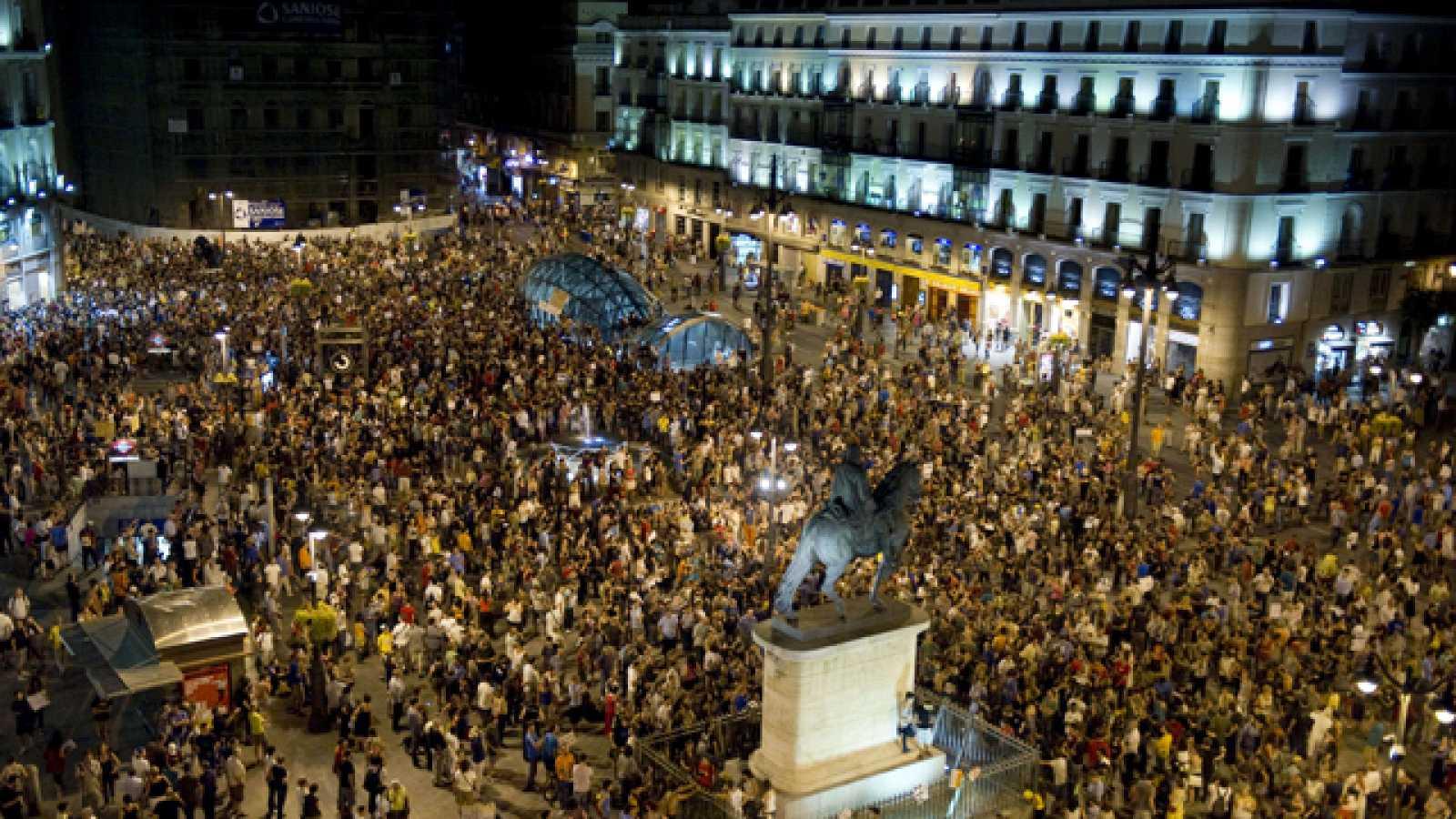 """Los 'indignados' reconquistan Sol al grito de """"Esta es nuestra plaza"""""""