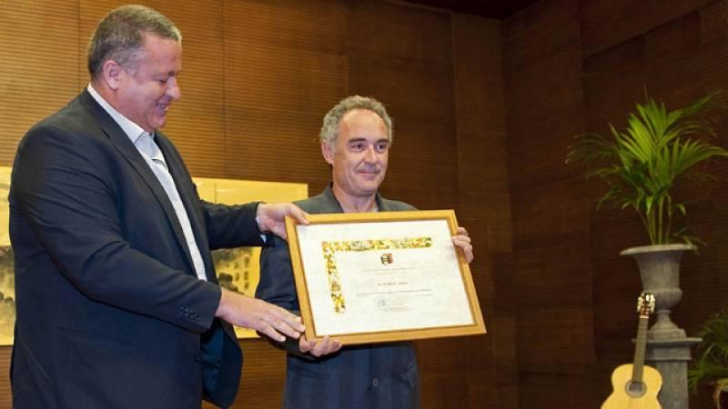 Homenaje del Festival del Cante de las Minas a Ferran Adriá