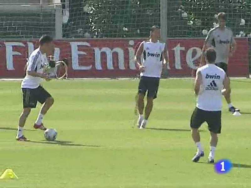 El Real Madrid entrena ya con todos los internacionales, pendiente de la evolución de Sergio Ramos, que es duda junto a Sahin