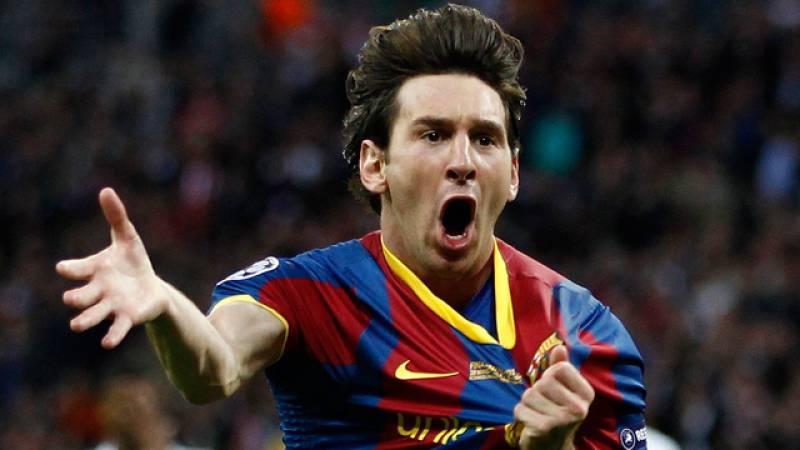 Messi ha adelantado al FC Barcelona en el minuto 45 (1-2). El argentino se planta solo ante Casillas y lo tiene fácil para marcar al Real Madrid.