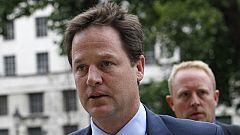 """Clegg: """"Los causantes de los disturbios limpiarán los destrozos"""""""