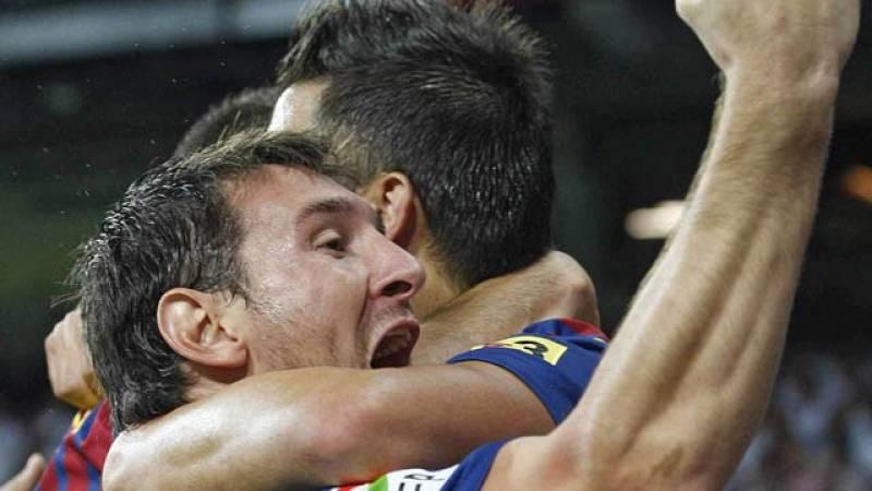 El centrocampista del FC Barcelona Andrés Iniesta ha adelantado a su equipo en el minutop 15 (1-0) tras un pase magistral de Messi.