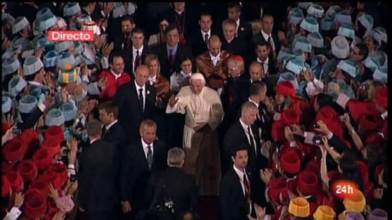 Especial informativo - Visita de S.S. el Papa Benedicto XVI - Encuentro con religiosas y docentes universitarios. Segunda parte - 19/08/11 - Ver ahora