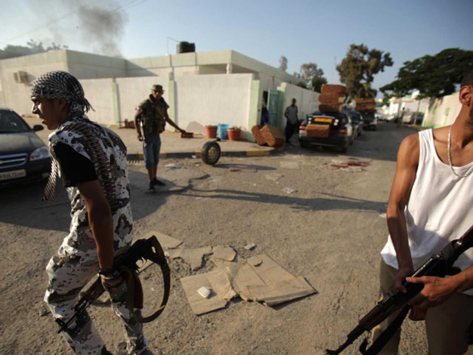 El Gobierno rebelde estudia trasladarse a Trípoli
