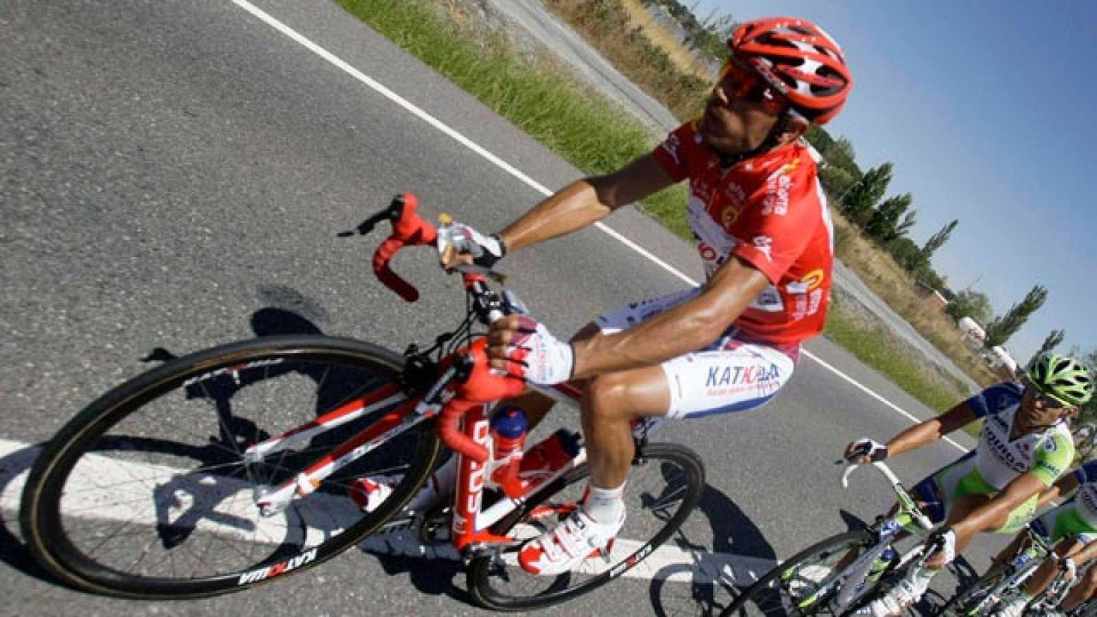 El español, hasta esta jornada líder de la Vuelta 2011, ha cedido tiempo en el ascenso a La Covatilla en la novena etapa