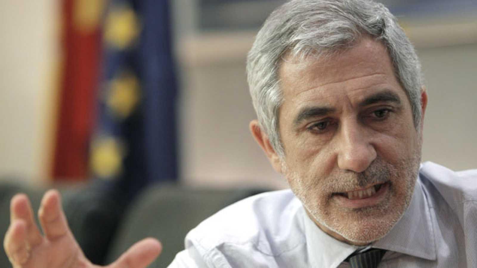 Llamazares se ha opuesto en el pleno a que se votara una enmienda transaccional presentada por PSOE y PP a una enmienda de CiU