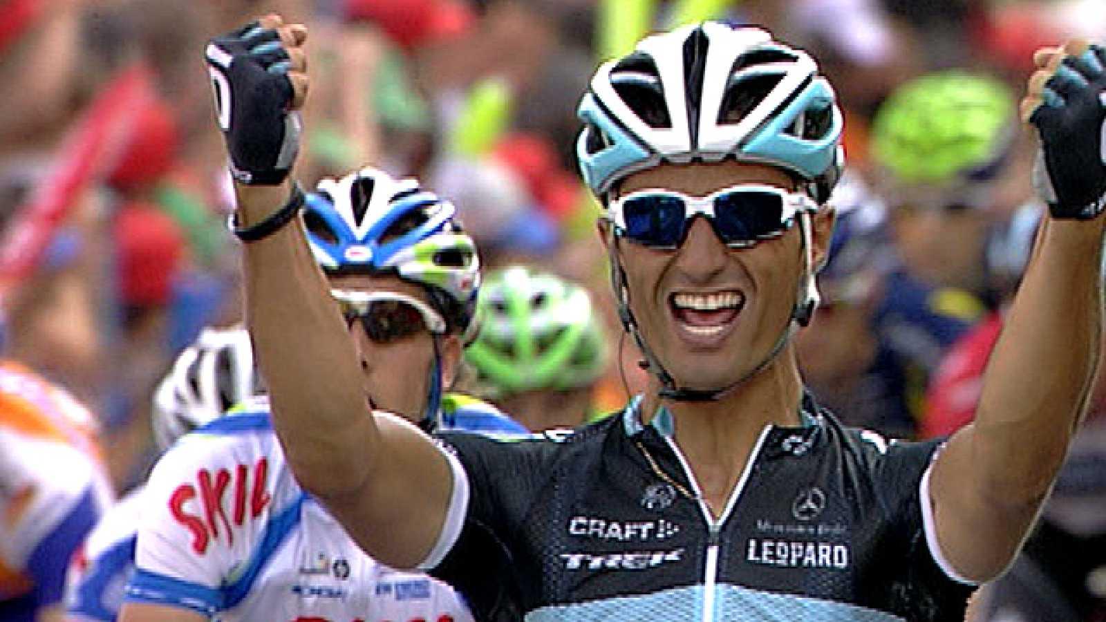 El velocista italiano Daniele Bennati (Leopard-Trek) se ha  adjudicado la vigésima y penúltima etapa de la Vuelta España,  disputada entre Bilbao y Victoria en 185 kilómetros de recorrido,  imponiéndose con claridad en la llegada al sprint mientras q